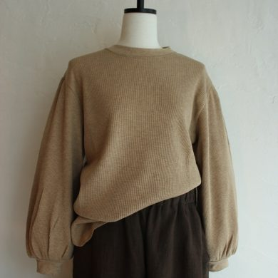 oshima-rei-gather-sleeve-pullover